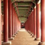 Columns of palace_Seoul
